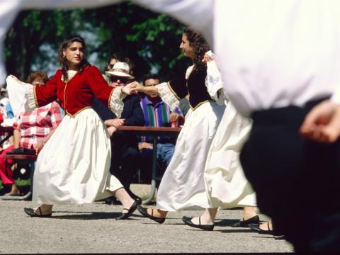 Bailes y vestimentas tradicionales en Rochester Greek Festival