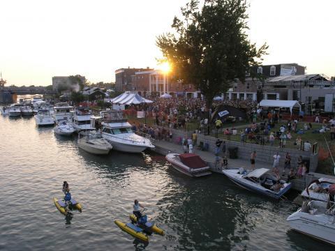 Diversión dentro y fuera del agua en Canal Fest of the Tonawandas