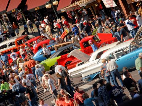 Rows of cars on display at Kool Deadwood Nites