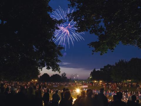 Los fuegos artificiales iluminan el cielo de Kohler el 4 de julio