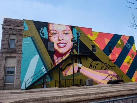 Un mural destacado en el CRE8IV - Transformational Art and Mural Festival en Rockford, Illinois