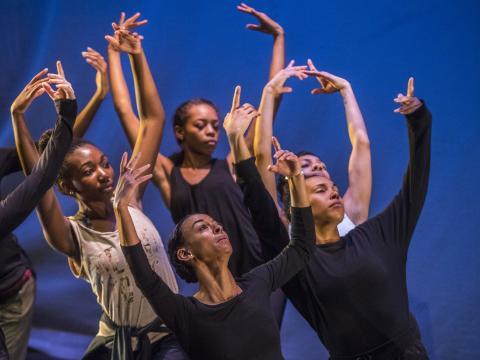 Una presentación de baile durante la Denver Arts Week en Colorado